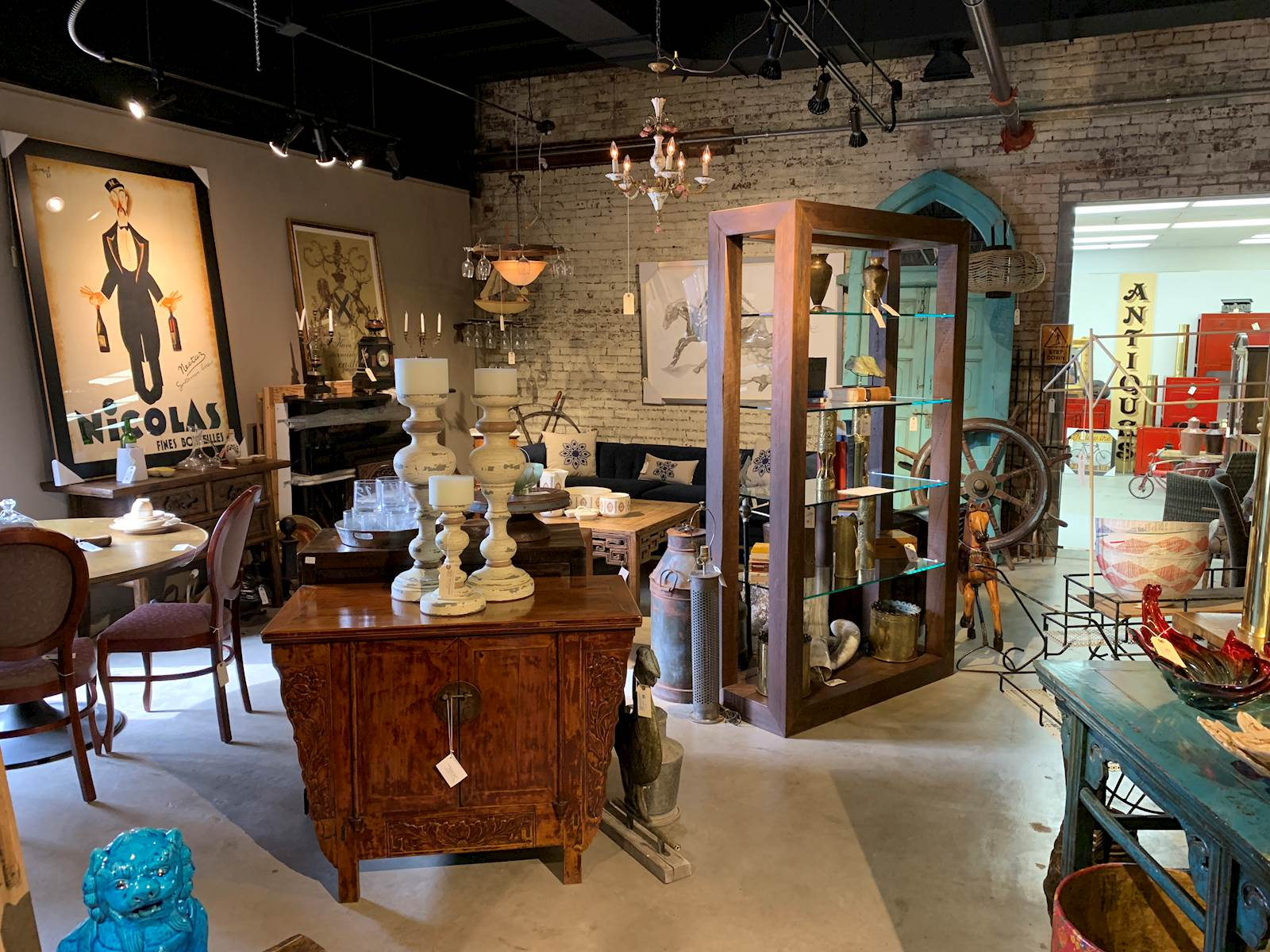 Merchant House Antiques And Collectibles In Springfield